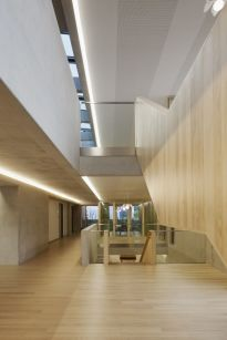 Eingangshalle Obergeschoss, Foto: Werner Huthmacher, Berlin