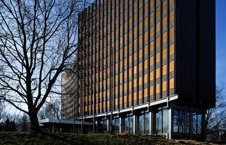 Bestandsgebäude am Gustav-Heinemann-Ufer in Köln