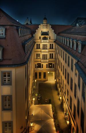 """Blick in den """"Schmalen Hof""""."""