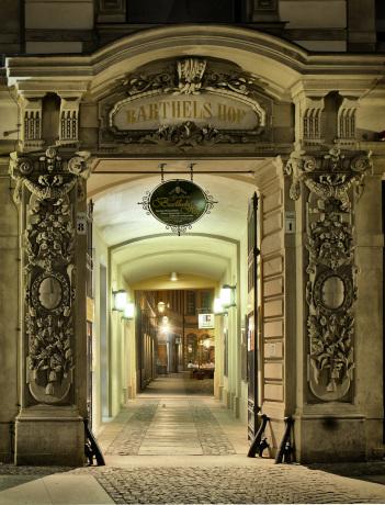 Eingangstor.