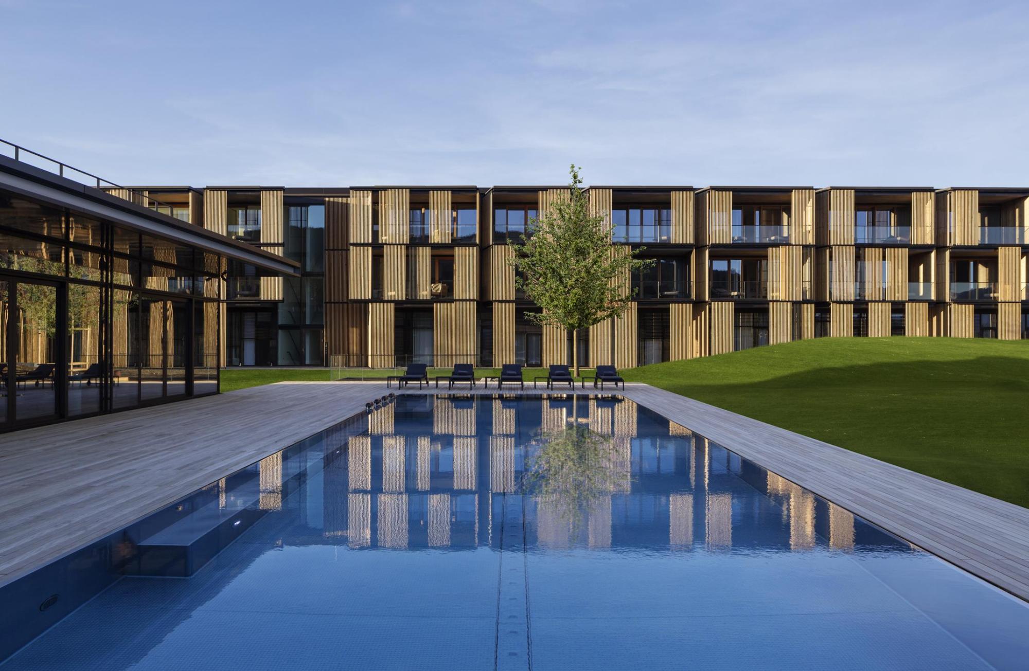 ingenhoven architects / Foto: H.G. Esch, Hennef