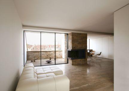 Neubau des Dachgeschoss und Innenausbau
