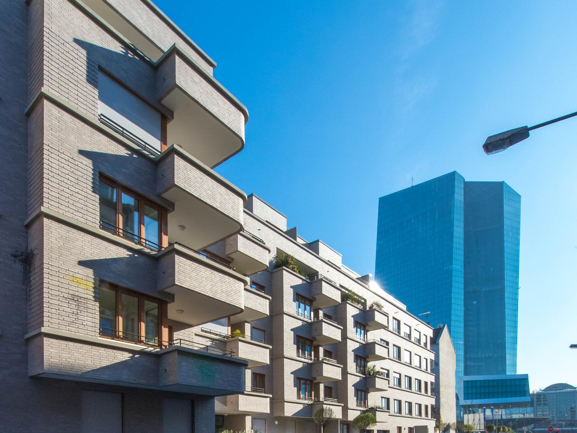 architekten in frankfurt hauswalter with architekten in frankfurt hotel the grey zimmer hotels. Black Bedroom Furniture Sets. Home Design Ideas
