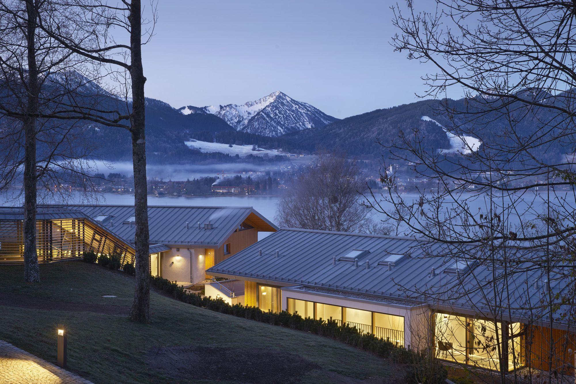 Alpenchalets, Hotel Das Tegernsee | landau + kindelbacher ...