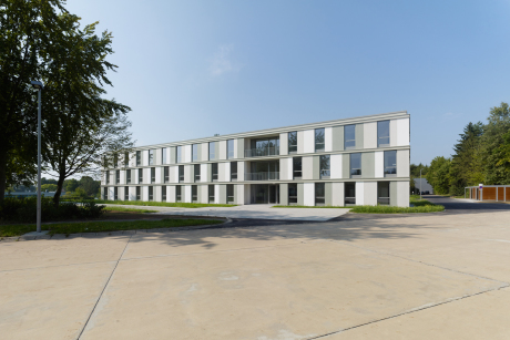 Unterkunftsgebäude Rommel Kaserne Dornstadt  (Fotos ©: wolframjanzerarchitekturbilder)