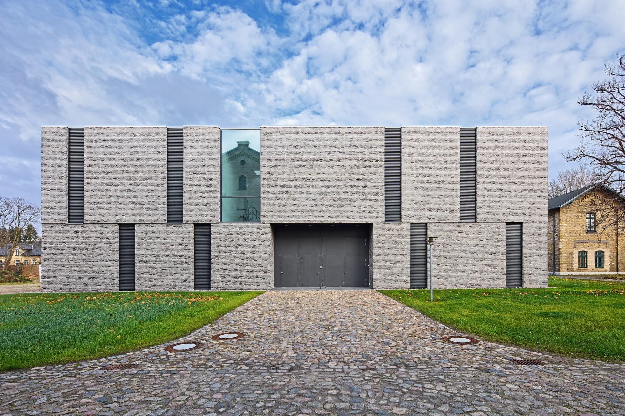 Magazingebäude auf dem Hesterberg (Fotos ©: Bernd Perlbach)